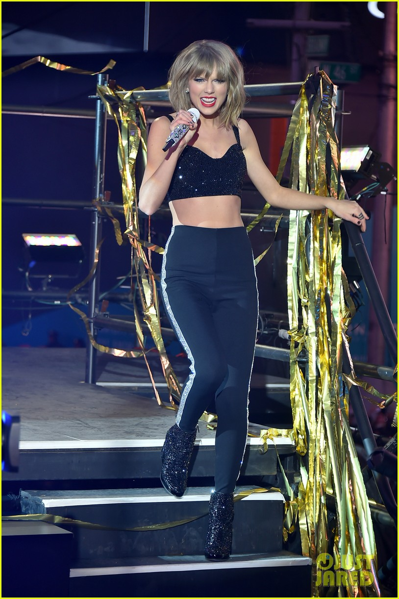 Taylor Swift S New Year S Rockin Eve 2015 Performance Video Photo 3270644 2015 New Year S Eve Taylor Swift Pictures Just Jared