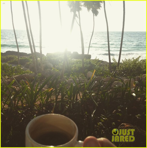 paul wesley goes shirtless in beach pic with phoebe tonkin 023272587