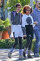 willow smith flashes a peace sign 03