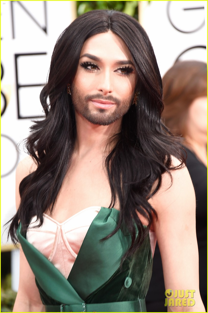 Conchita Wurst is Gorgeous Green & Unstoppable on Golden Globes 2015 ...