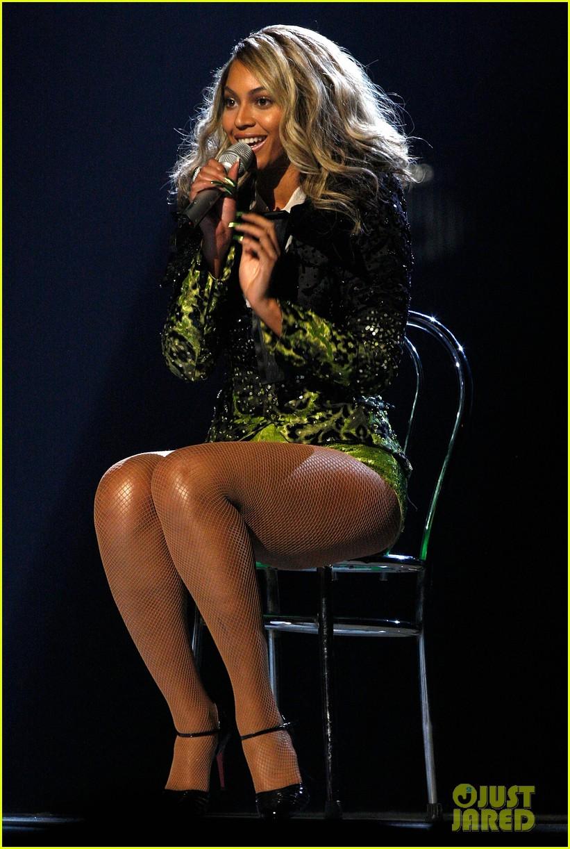 Beyonce Grammys Retrospective: Watch Her Best Grammy Performances ...