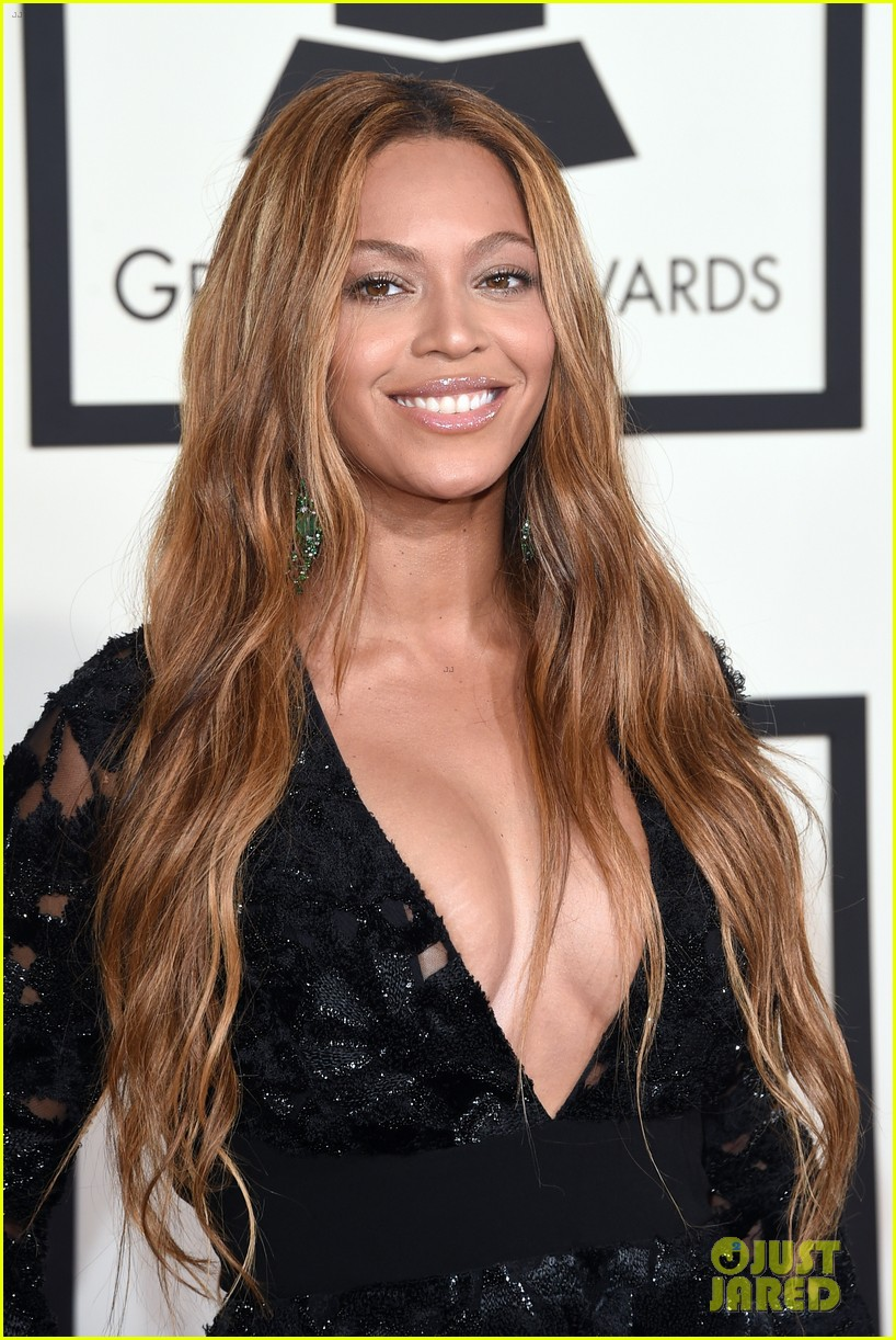 Full Sized Photo Of Beyonce Grammys 2015 Red Carpet 04