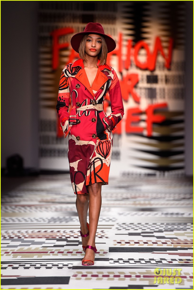 naomi campbell jourdan dunn more hit the runway at fashion for relief 213308738