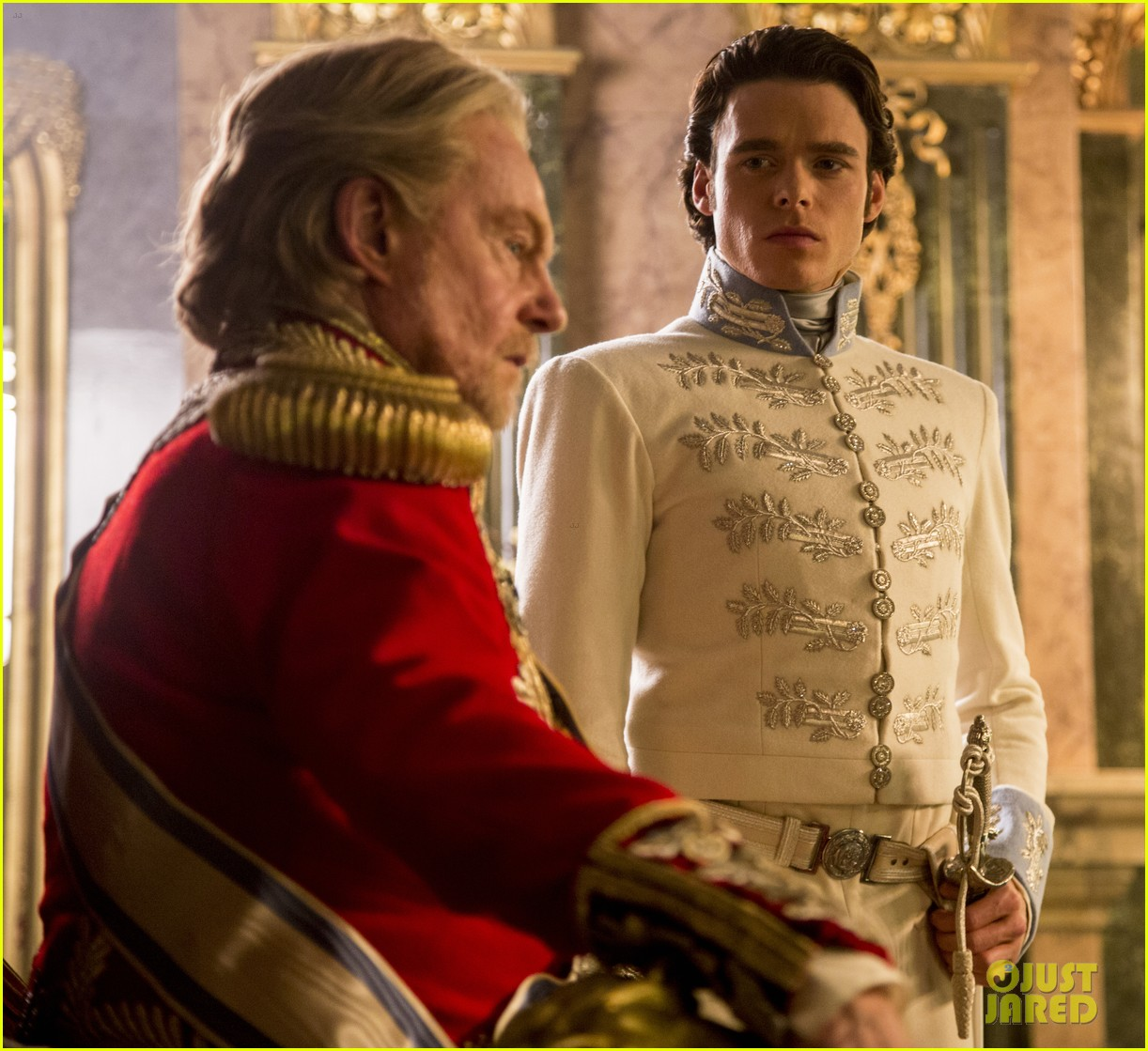 new cinderella trailer stills true love sacrifice 06