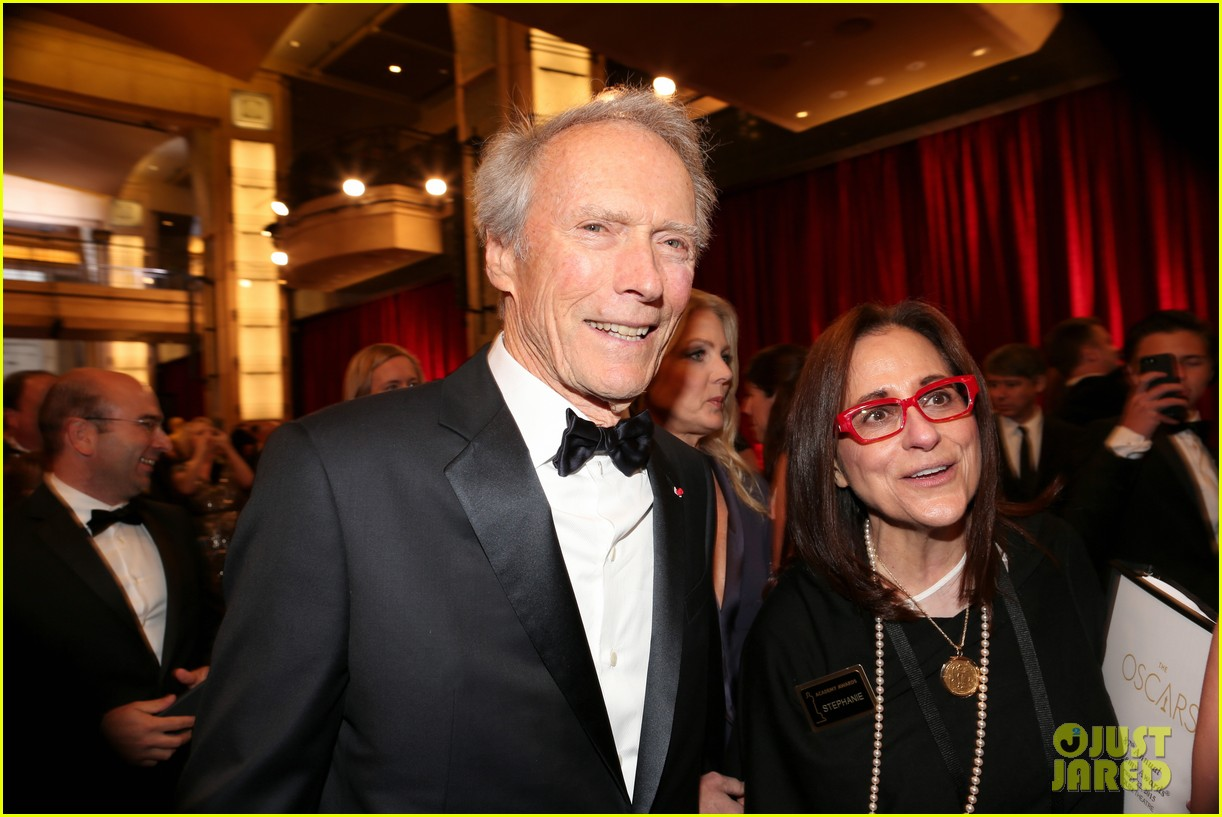 Clint Eastwood Girlfriend Oscars 2015Photo His 3310987 Brings To 5LcS4jq3AR