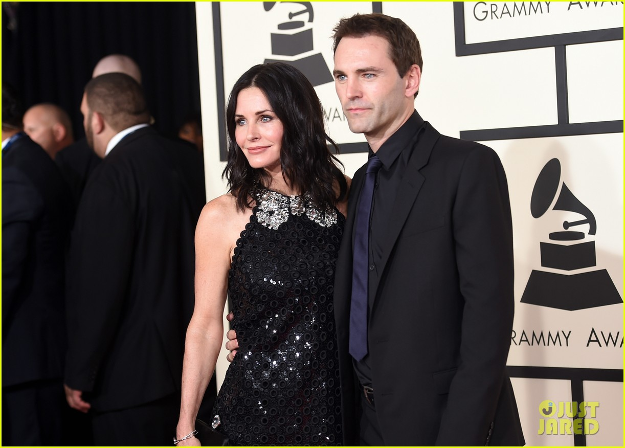 courteney cox johnny mcdaid grammys 2015 023299923