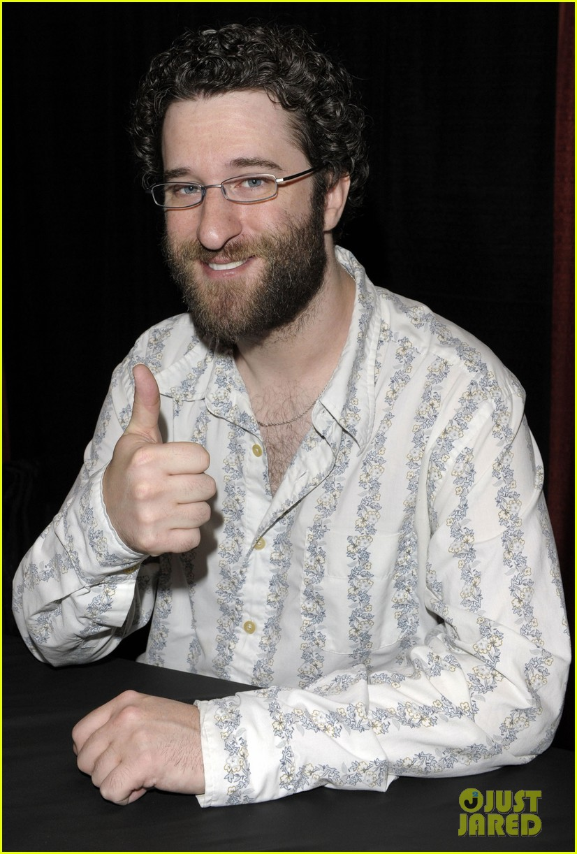 dustin diamond wasnt invited to saved by the bell reunion 013307826