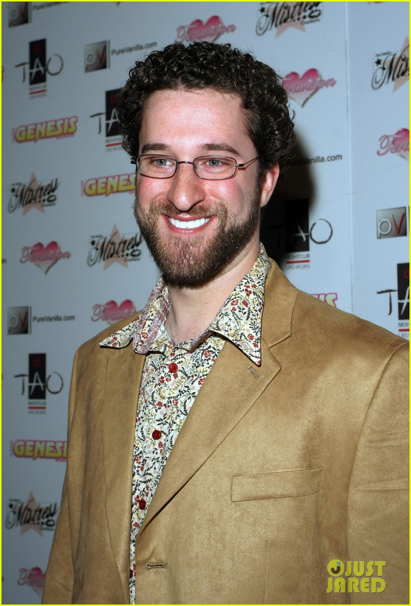 dustin diamond wasnt invited to saved by the bell reunion 043307829