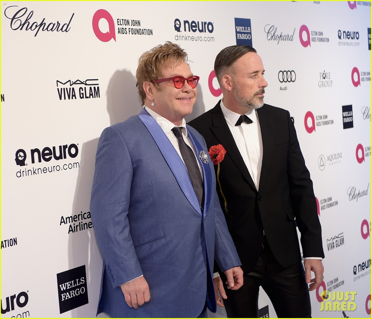 elton john hosts tons of celebs at his annual oscars party 113312495
