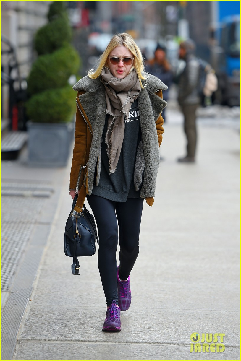 elle fanning school dakota fanning freezing nyc 083315607