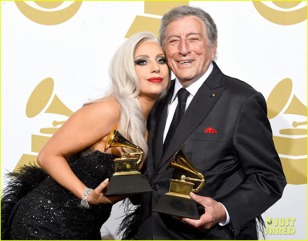 Lady Gaga & Tony Bennett Perform Duet 'Cheek to Cheek' at Grammys
