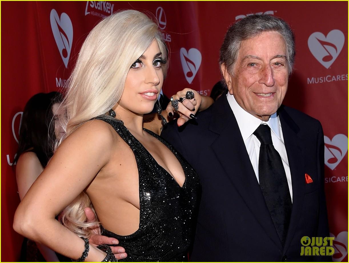Paparazzi Sideboobs Lady GaGa naked photo 2017