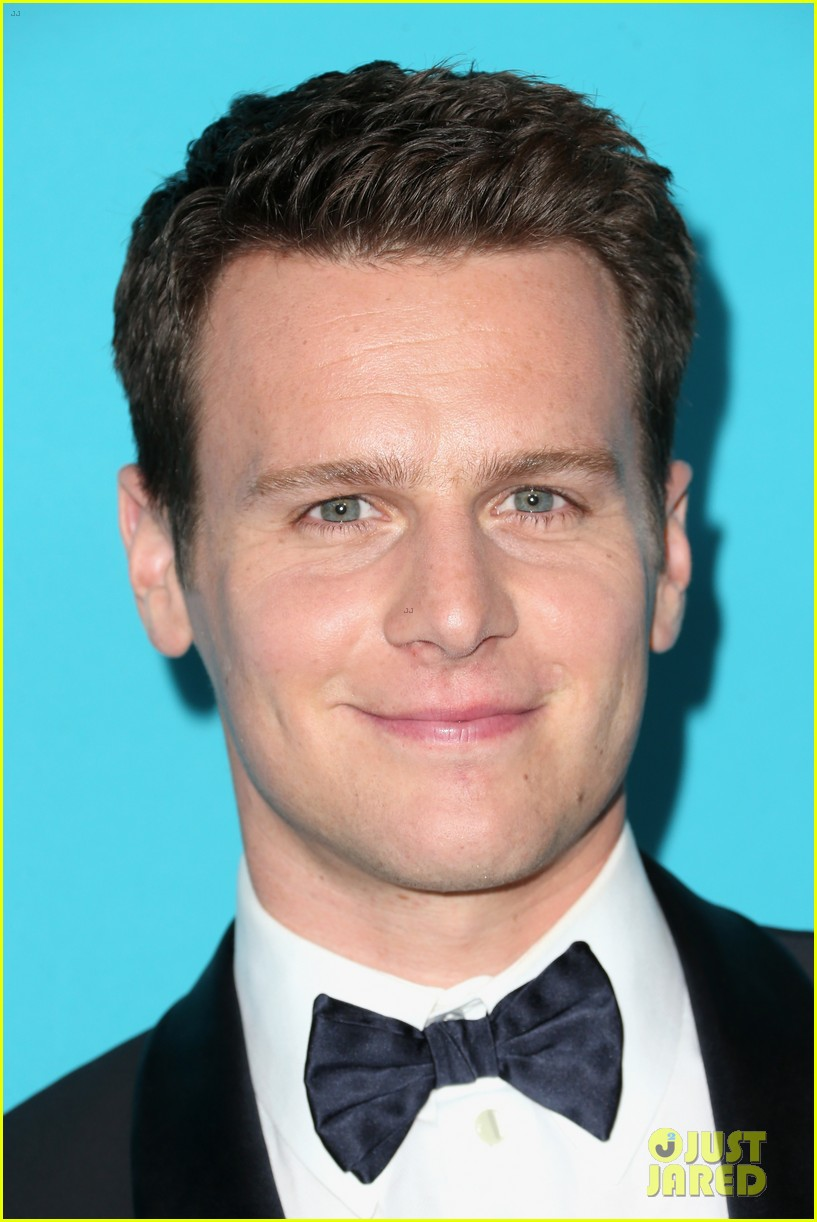 jonathan groff sure is looking fine at the cdgas 013306611