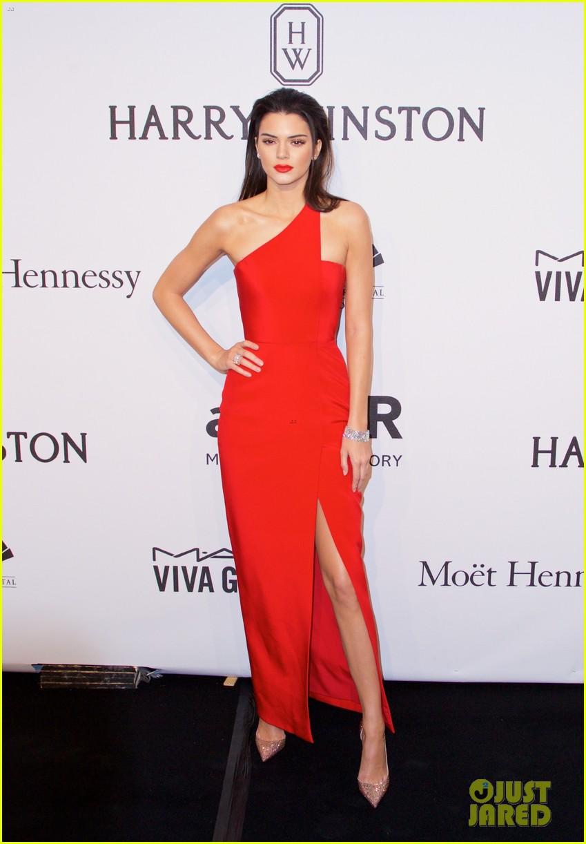 kendall jenner karlie kloss show lots of leg at amfar gala 013303346