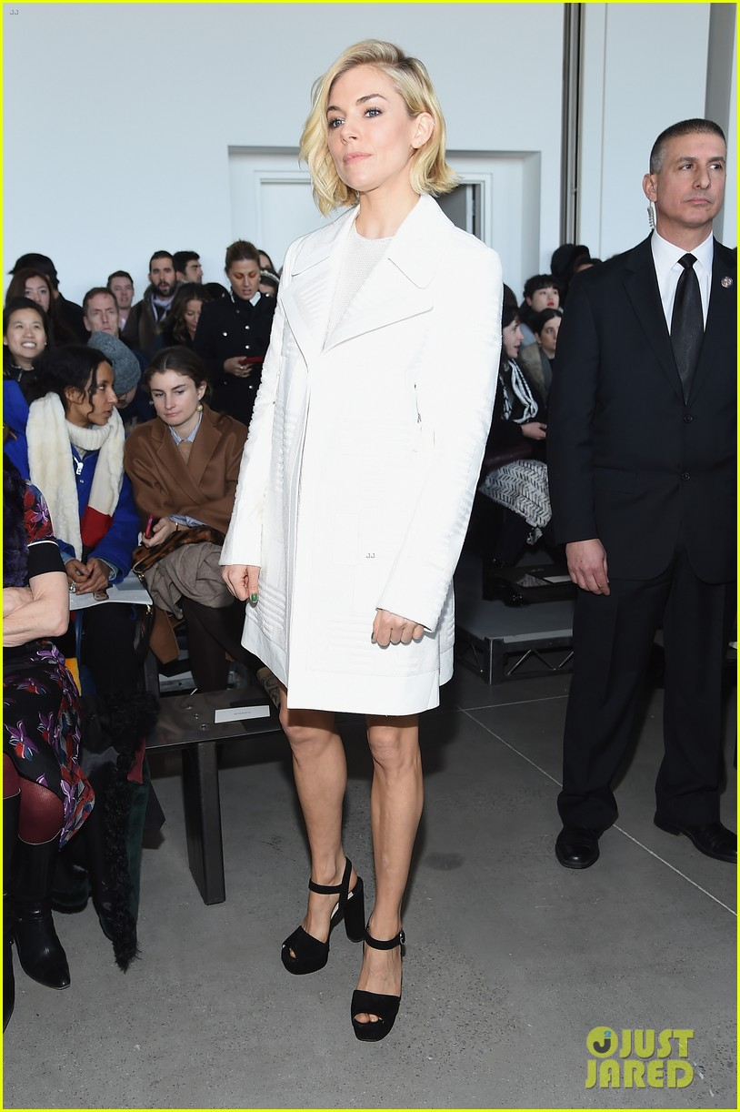 Kanye West Is A Joke As A Fashion Designer Says Kelly Cutrone Photo 3308245 2015 New York Fashion Week Winter Anna Wintour Kanye West Kelly Cutrone Sienna Miller Pictures Just Jared