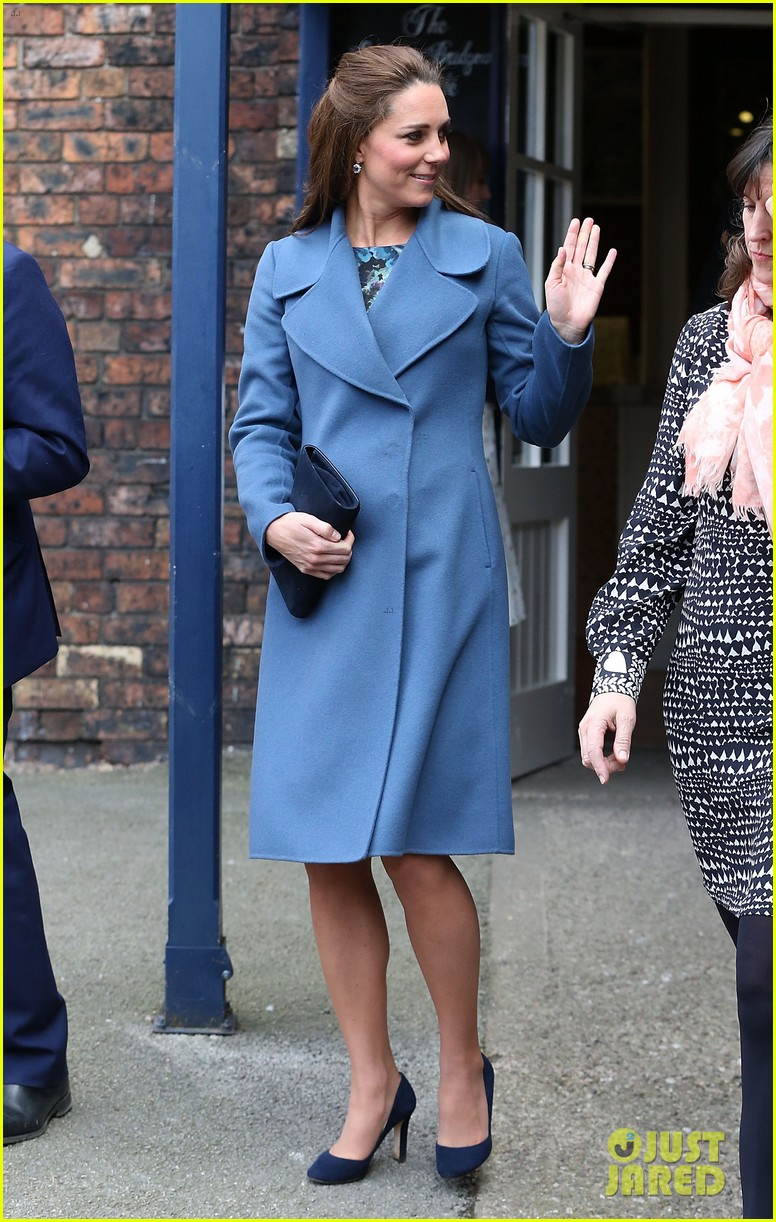 Kate Middleton Covers Baby Bump in Royal Blue Peacoat: Photo ...