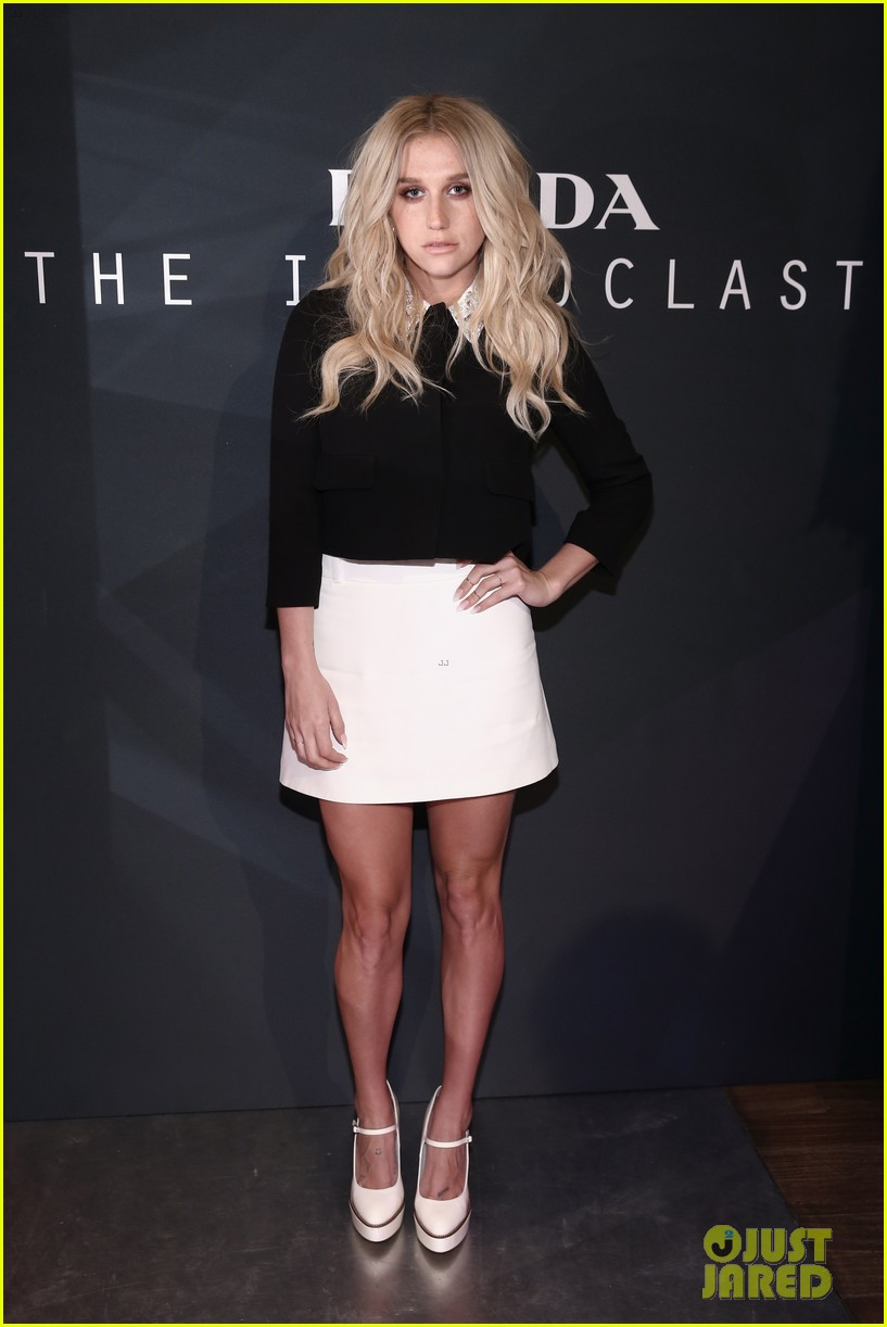 kesha-steps-up-her-style-for-new-york-fa