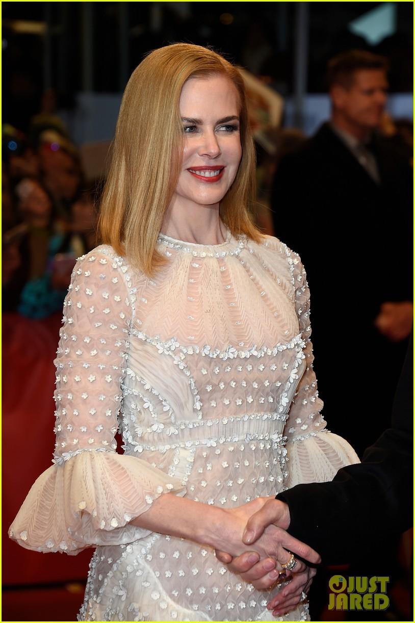 Nicole Kidman Debuts New Short Haircut At Queen Of The Desert
