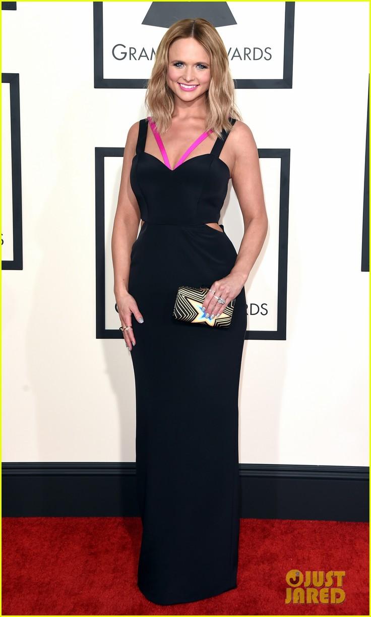 Miranda Lambert Performs Little Red Wagon At Grammys