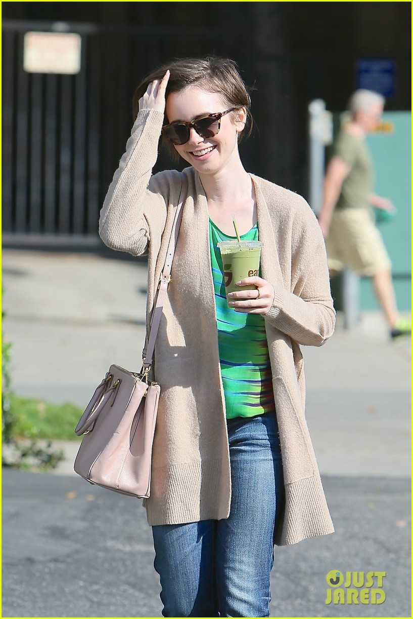 lily collins shows pixie cut mom fashion inspiration 083315640