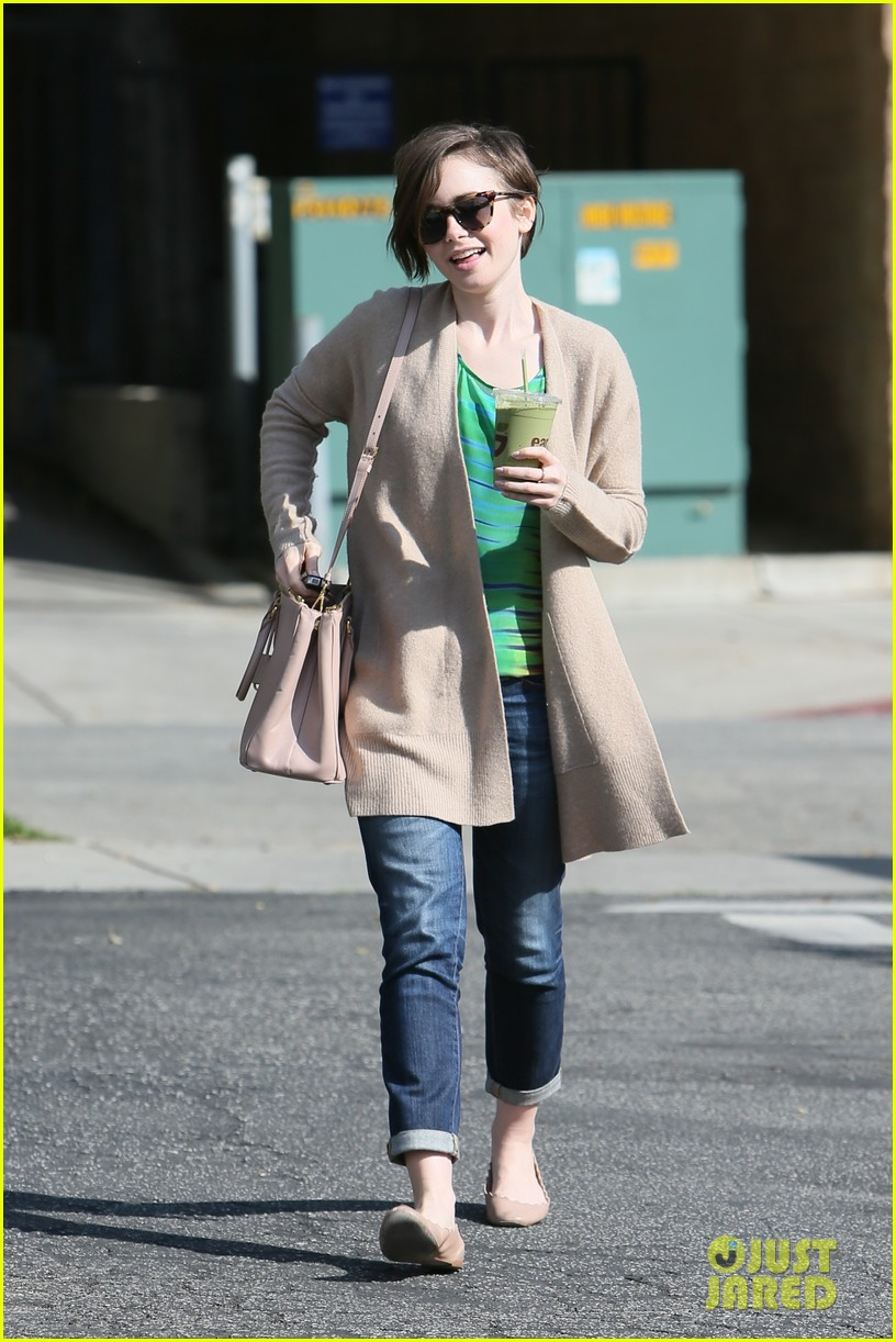 lily collins shows pixie cut mom fashion inspiration 113315643