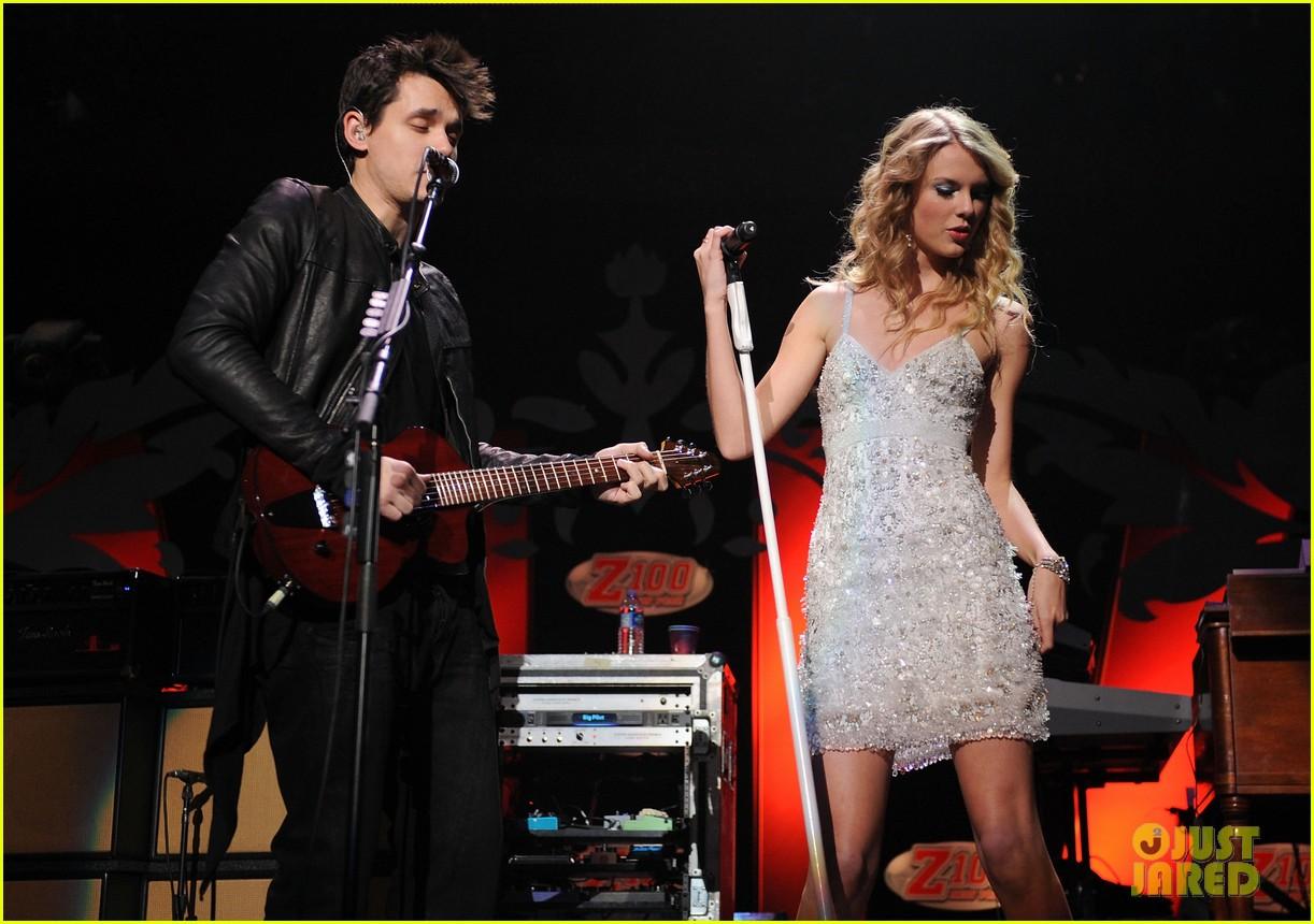 John Mayer Makes A Funny Taylor Swift Grammys Joke Video Photo 3298020 2015 Grammys John Mayer Taylor Swift Pictures Just Jared