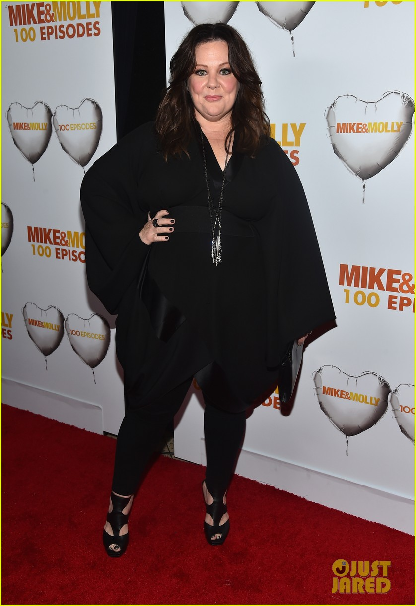 melissa mccarthy billy gardell celebrate mike molly 100th episode 043294008