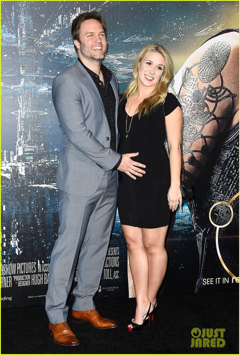 scott porter wife kelsey pregnant 013294860