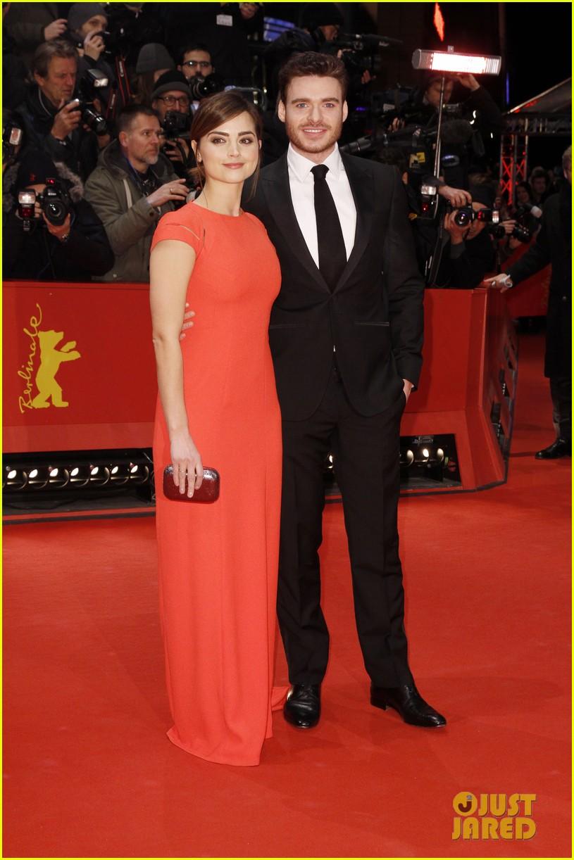 Richard Madden Amp Girlfriend Jenna Coleman Take Their Love
