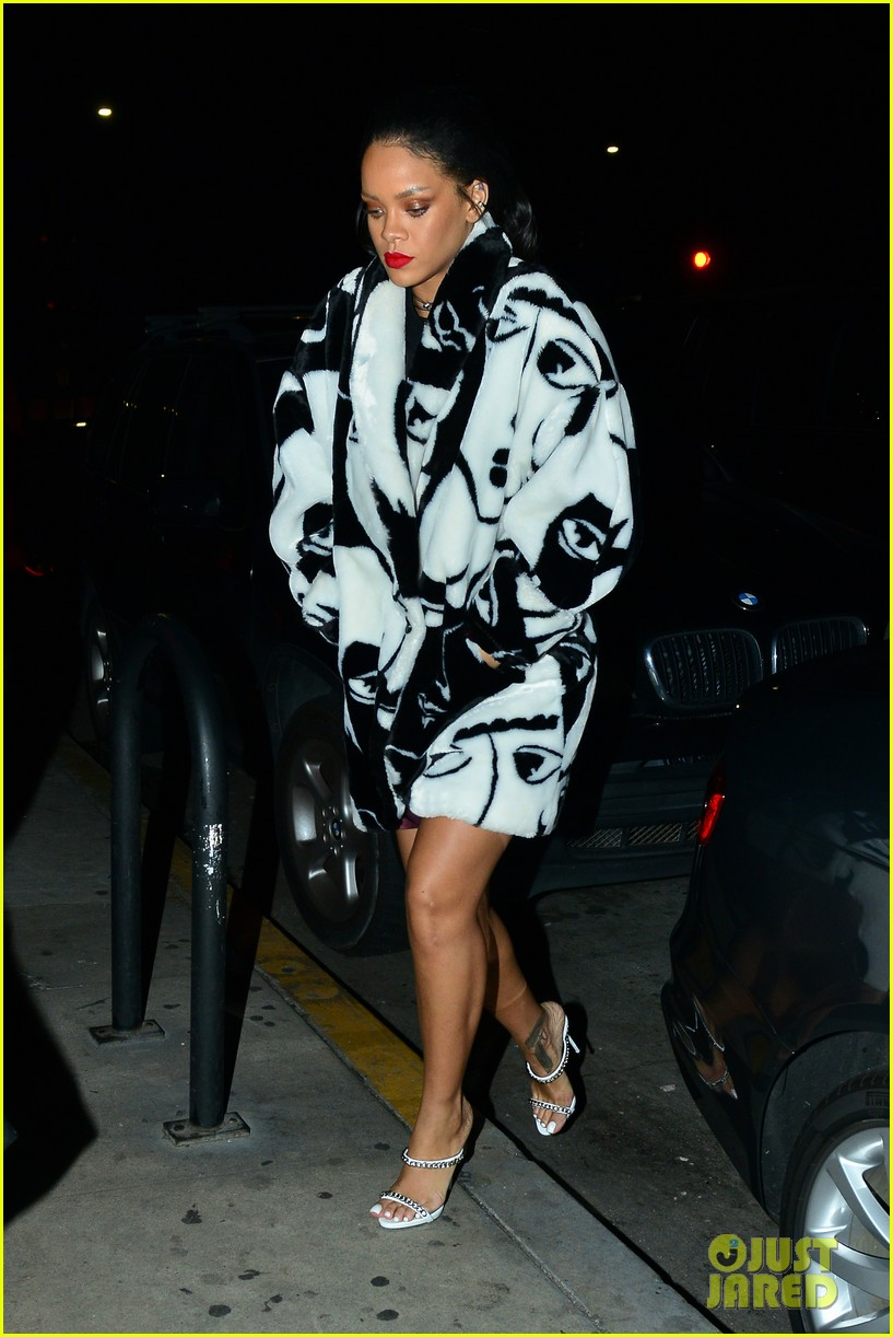 rihanna takes her niece to her favorite restaurant 053301775