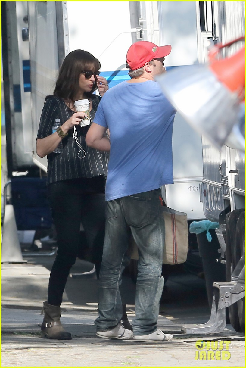 julia roberts danny moder kiss on set 353298215