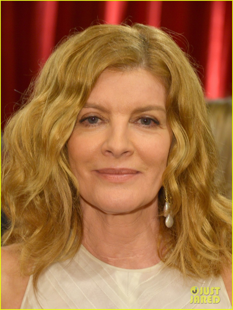 Awesome Rene Russo Looks Amazing On The Oscars 2015 Red Carpet Photo Short Hairstyles Gunalazisus