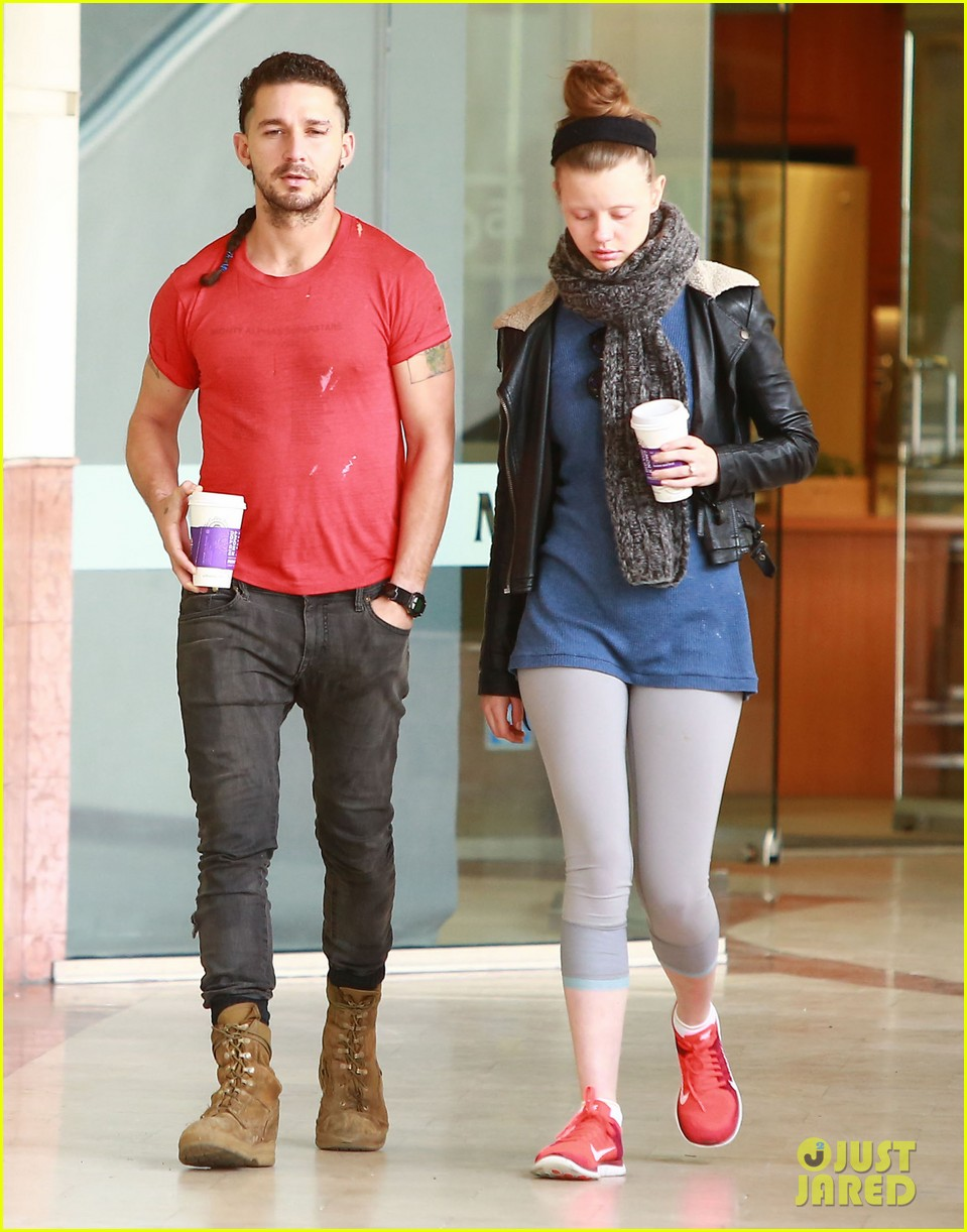 shia labeouf mia goth pda on escalator 093316213