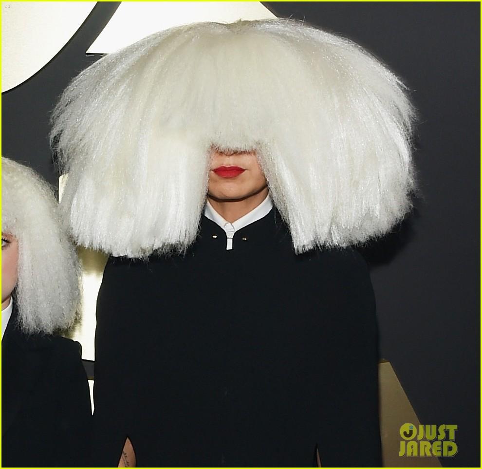 Red Carpet Chandelier: Sia & 'Chandelier' Dancer Maddie Ziegler Wig Out At