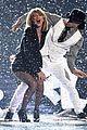taylor swift brit awards 2015 performance 02