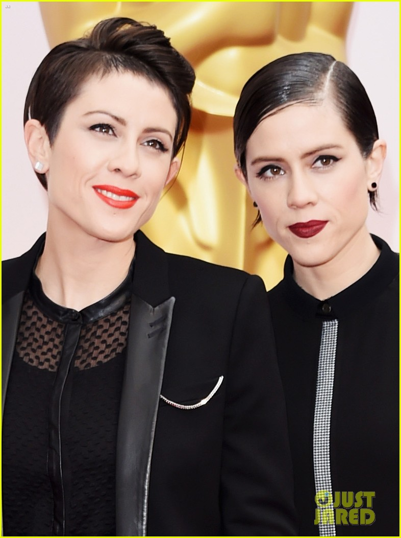 Tegan Amp Sara Are Totally Awesome On Oscars 2015 Red