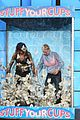 halle berry ellen degeneres stuff their bras full of money 02