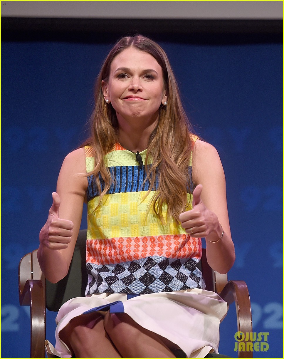 sutton foster says she went crazy town after her divorce 143333132