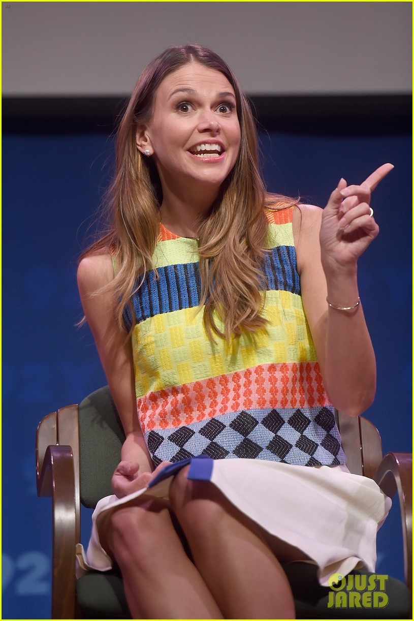 sutton foster says she went crazy town after her divorce 173333135