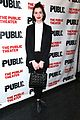 anne hathaway steps out to celebrate the public theaters opening night 02
