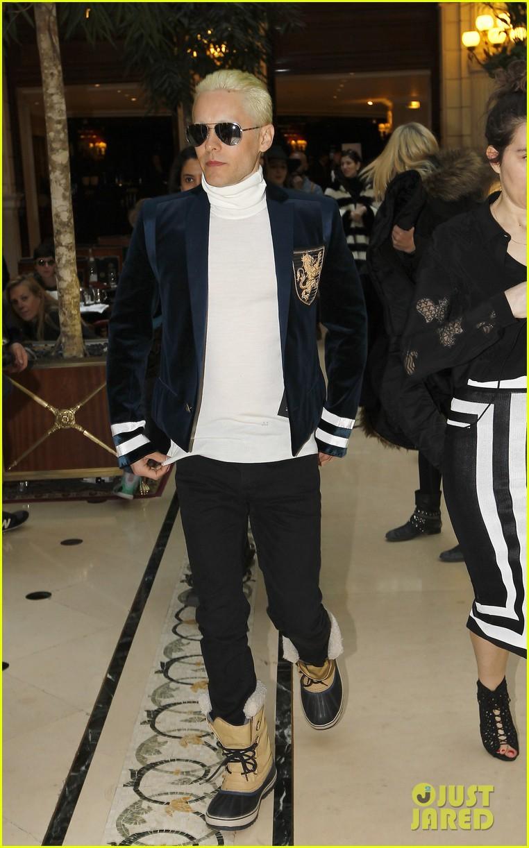 Jared Leto Debuts Platinum Blonde Short Hair Look Photos Photo 3318813 Jared Leto Pictures Just Jared