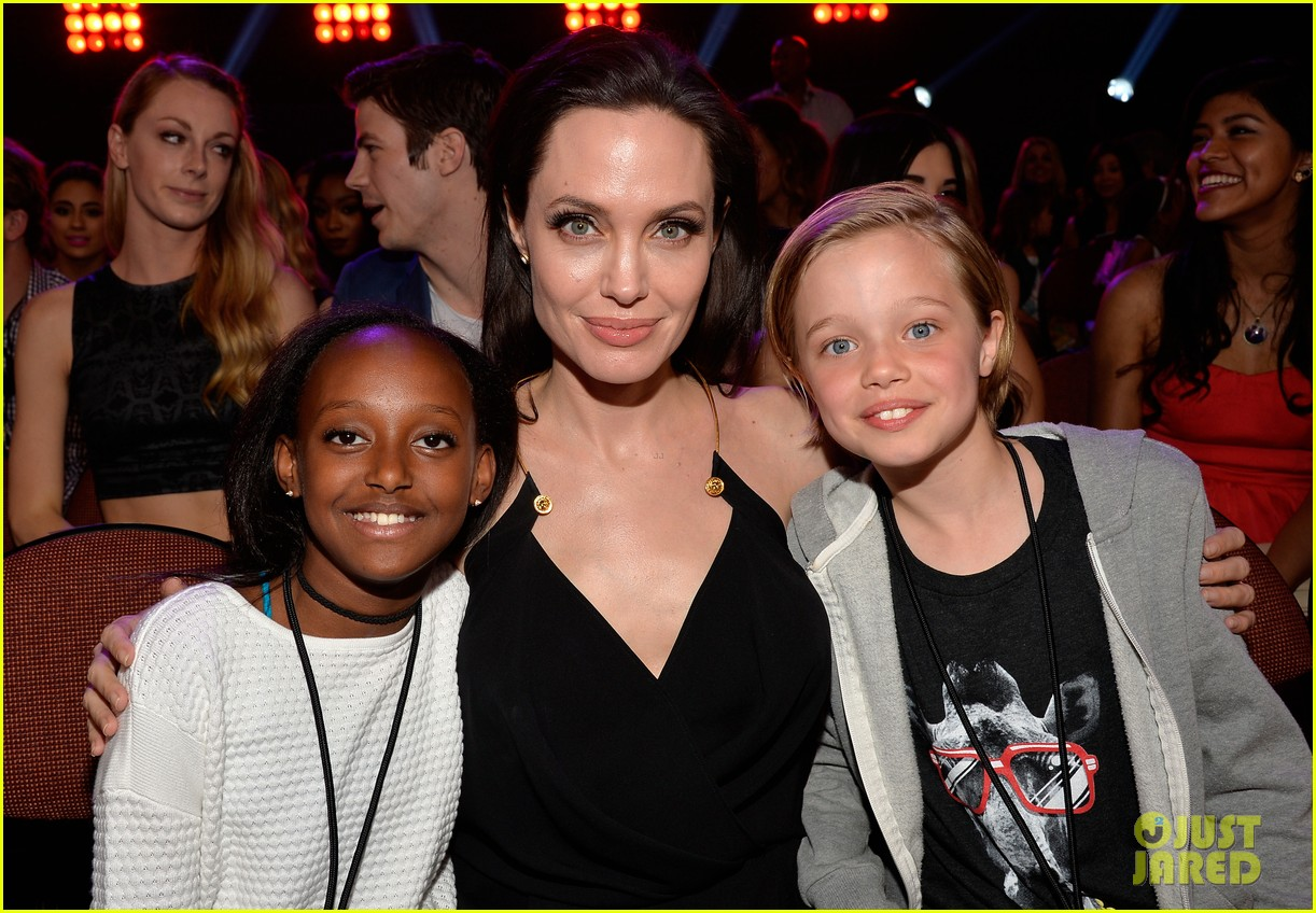 angelina jolie has inspiring message for kids at kcas 2015 053335697