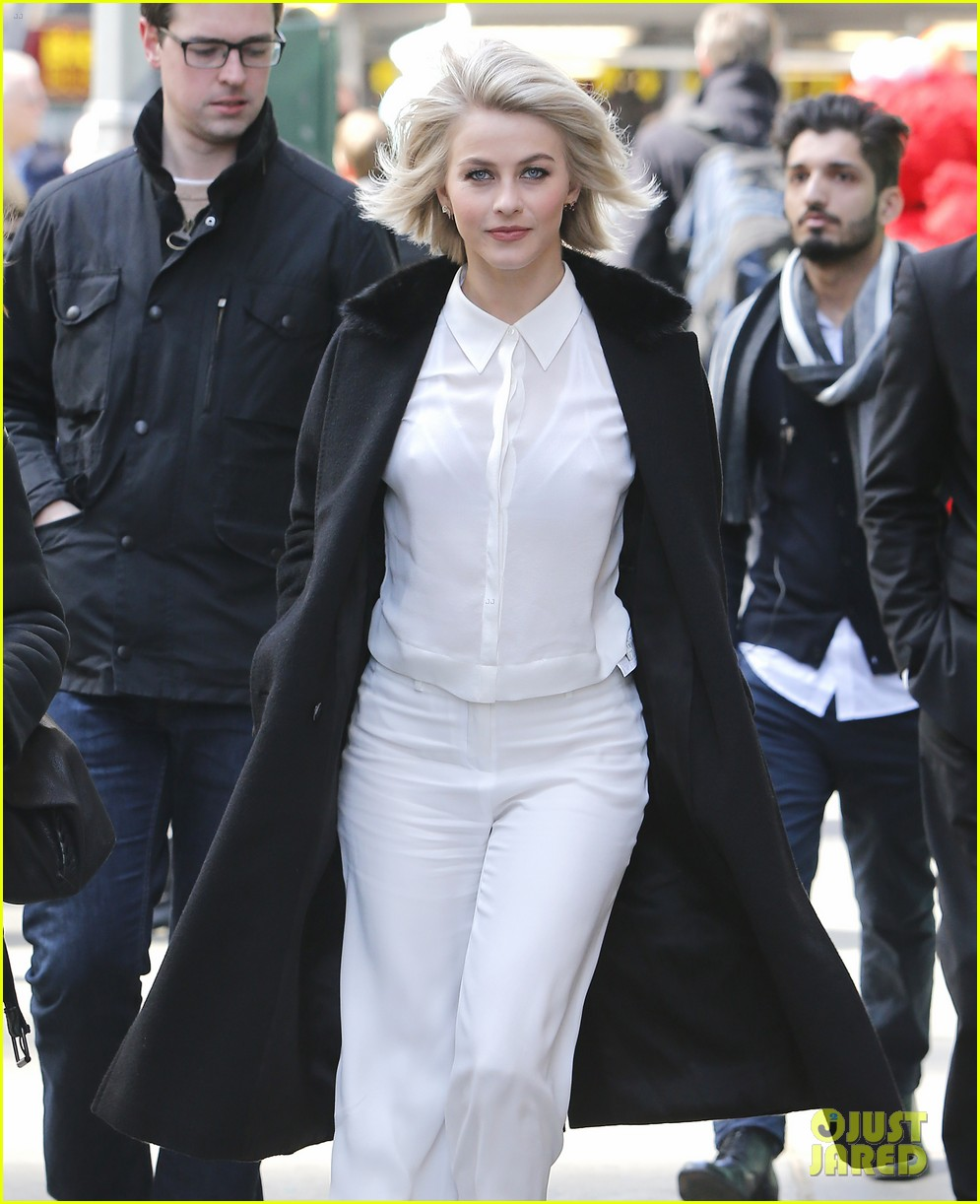 julianne hough more dwts promo stops nyc 023325670