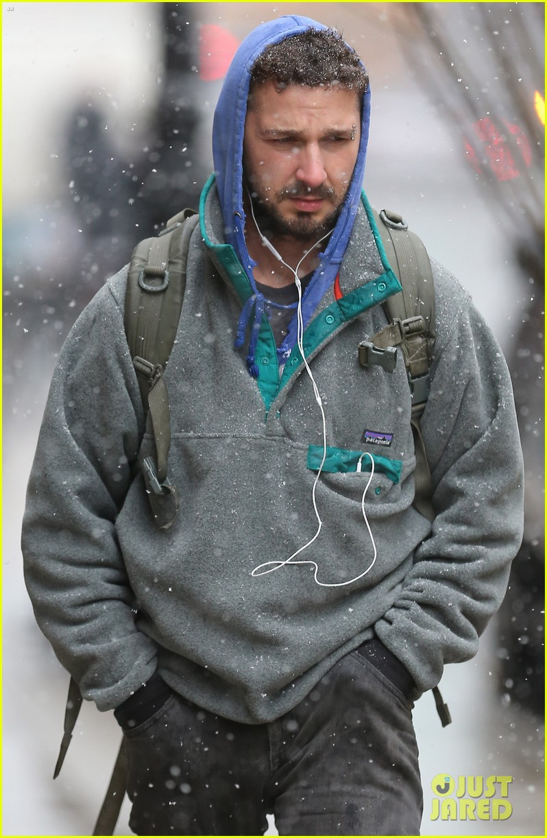shia labeouf livestreamed heart for latest art project 043330881