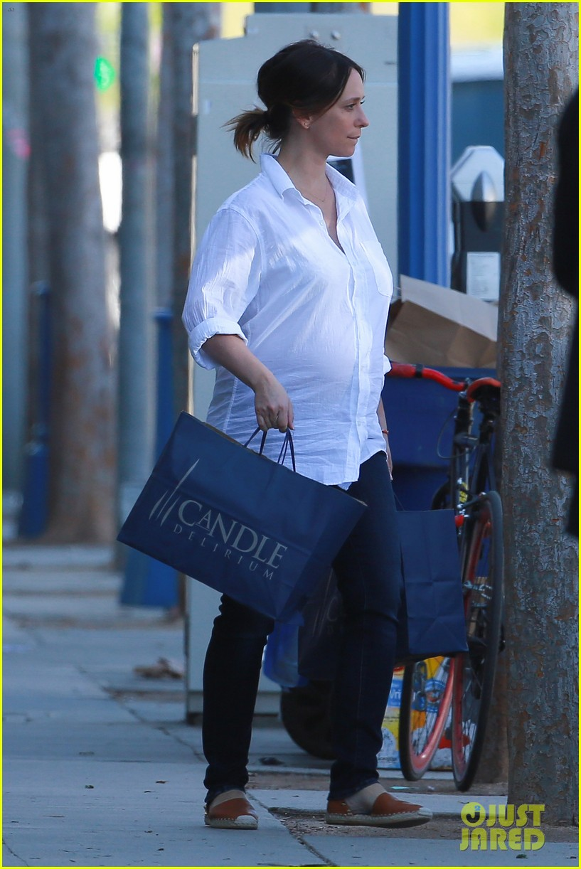 Jennifer Love Hewitt Shows Off Baby Bump in Two Different