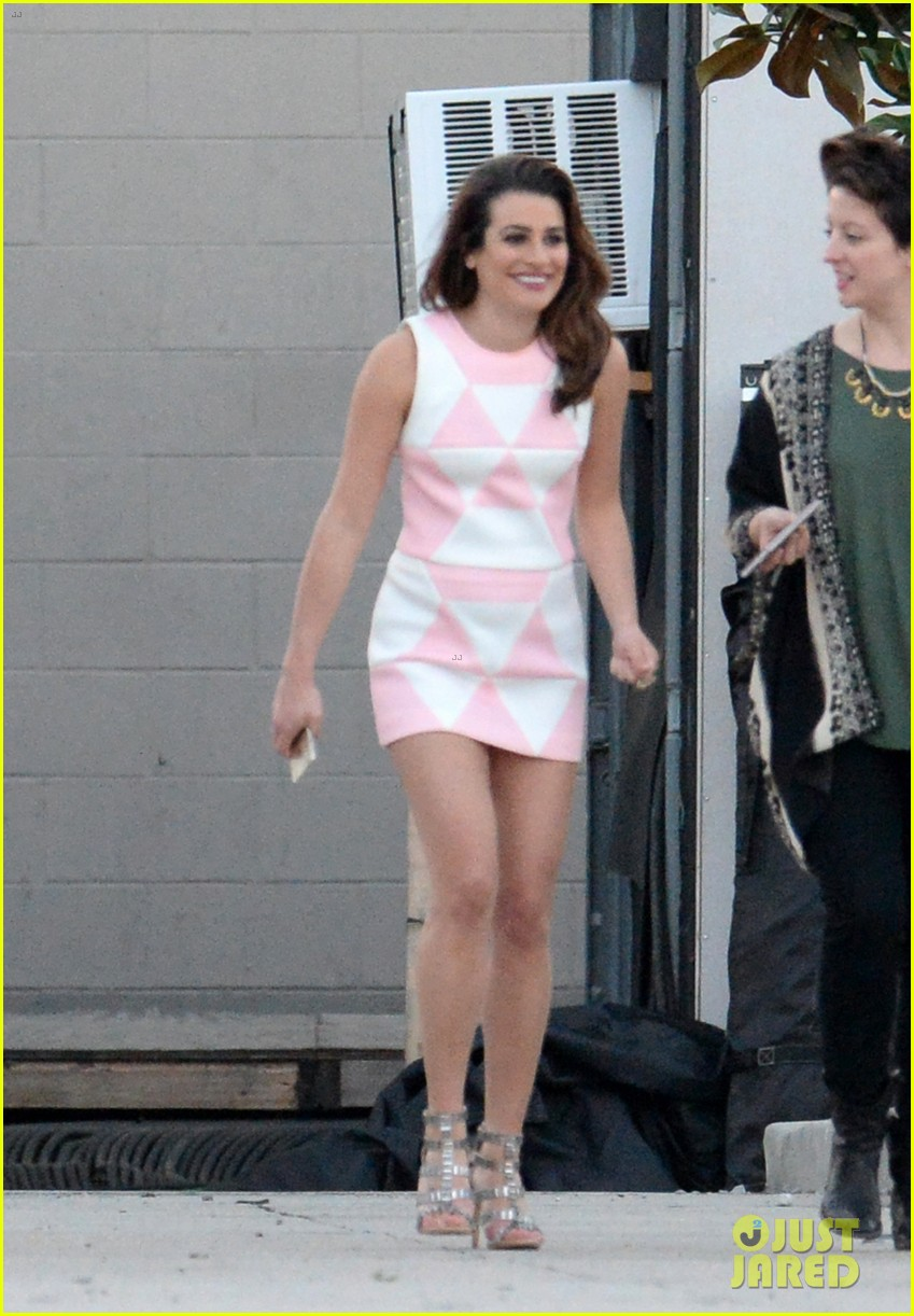 lea michele emma roberts step out on scream queens set 033331749