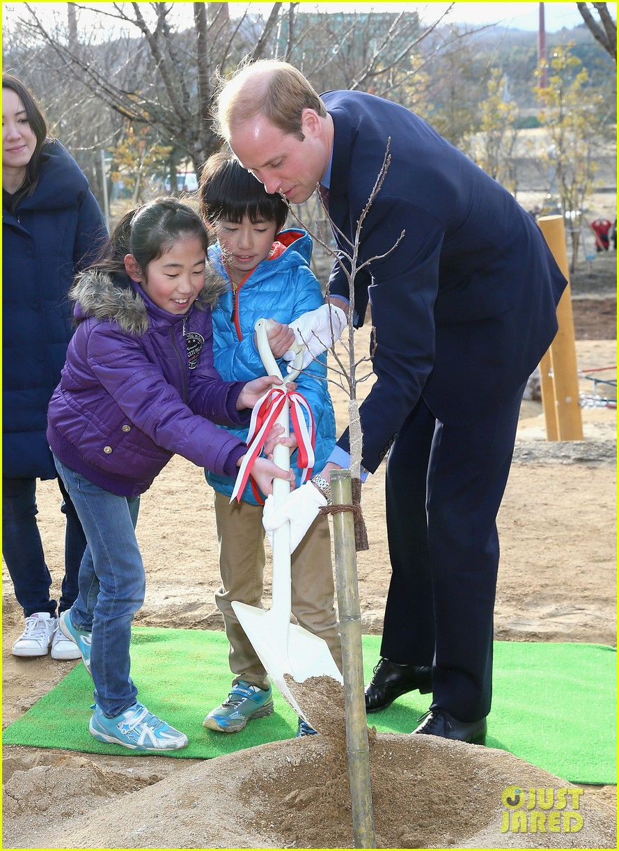 prince william continues japan trip 143316605