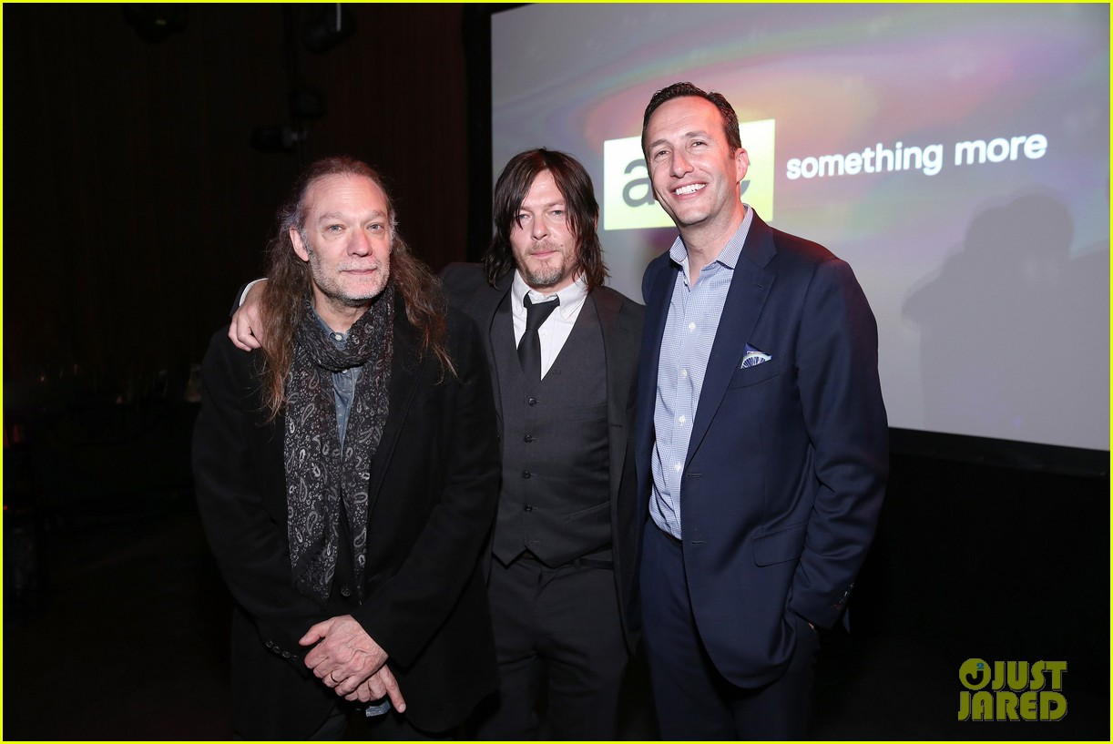 norman reedus celebrates walking dead at amc ad sales event 183332529
