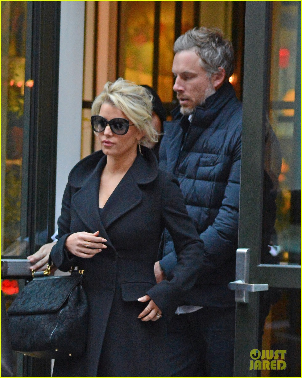 jessica simpson talks sexy instagram pics with her hubby 093325004
