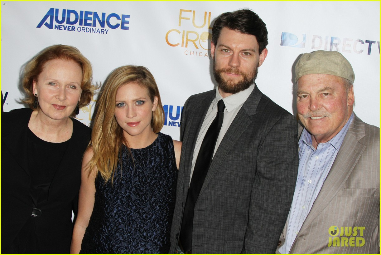 brittany snow patrick fugit reunite with full circle cast 023327739